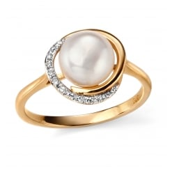 9ct Yellow Gold Button Pearl and Diamond Ring